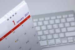 Horario de escritorio del espacio en blanco del calendario del 1 de enero de 2017 Foto de archivo