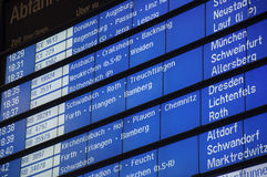 Horario en la estación de tren de Deutsche Bahn Fotografía de archivo libre de regalías