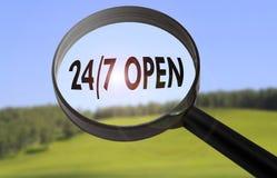 24 horas de abierto Imágenes de archivo libres de regalías