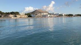 Horas de verão de Majorca, praia de Platja de Muro vídeos de arquivo