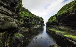 Horas de verão no gjogv Faroe Island Imagens de Stock Royalty Free