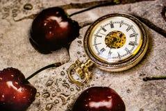Horas nacaradas antiguas Imagen de archivo libre de regalías