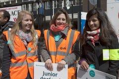 48 horas todas hacia fuera pegan para Junior Doctors, el 26 de abril de 2016 Foto de archivo libre de regalías