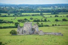 Hore修道院,在Cashel附近,蒂珀雷里郡,爱尔兰岩石的被破坏的Cistercian修道院  图库摄影