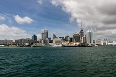 Horisont av Auckland, norr ö, Nya Zeeland arkivbilder