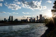 Horisont av Calgary fotografering för bildbyråer