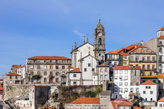 Horisont av den gamla delen av staden av Porto, Portugal Arkivfoton