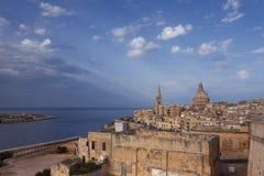 Horisont av den gamla staden av Valletta, Malta Arkivbilder