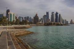 Horisont av Doha, huvudstad av Qatar royaltyfri foto