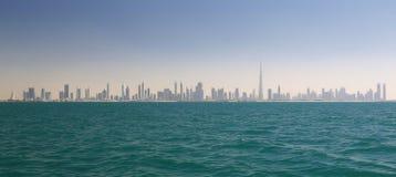 Horisont av Dubai (Förenade Arabemiraten) Royaltyfri Fotografi