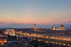 Horisont av Florence Italy på skymning Arkivfoton