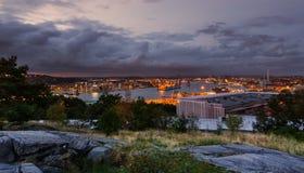 Horisont av Göteborg under solnedgång Royaltyfri Bild