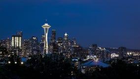 Horisont av i stadens centrum Seattle royaltyfria bilder