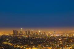 Horisont av Los Angeles vid natt Royaltyfri Bild