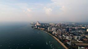 Horisont av Pattaya från flyg- surrsikt, Pattaya stad, Chonburi Royaltyfria Foton