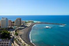 Horisont av Puerto de la Cruz, Tenerife, Spanien arkivfoto
