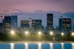 Horisont av Rio de Janeiro City Downtown vid skymning arkivbilder