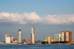 Horisont av Rotterdam i Nederländerna Royaltyfria Bilder