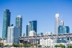 Horisont för finansiellt område för San Francisco ` s ny Royaltyfria Foton