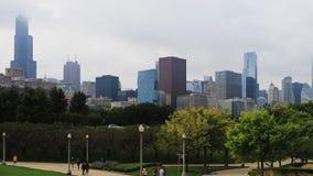 horisont för 4K UltraHD Timelapse Chicago på en dimmig dag arkivfilmer