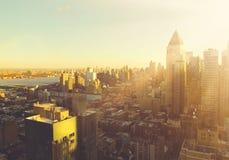 Horisont för Manhattan morgonsoluppgång Royaltyfri Bild