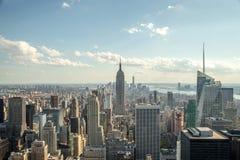 Horisont för New York City manhattan midtownbyggnader Royaltyfria Bilder