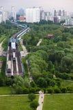 horisont för stad s Skytrain Royaltyfri Bild