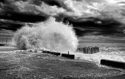 Horisont för storm för Wawe färgstänkhav Royaltyfri Fotografi