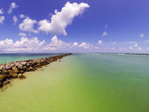 Horisont från pir av Miami Beach, södra strand arkivfoto