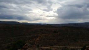 Horisont med fält och berg 21 arkivbild