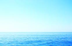 Horisont på det närliggande havet ön Korfu Royaltyfria Bilder
