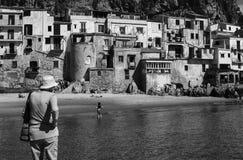 Horisontal- fantastiskt härligt turist- ställe i Italien, Sicilien, Ce Royaltyfri Bild