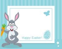 Horisontalram för lycklig påsk med kaninen Arkivfoto