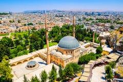 Horisonten av Sanliurfa, Turkiet arkivfoton