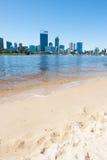 HorisontPerth Australien strand över svanfloden arkivbild