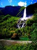 Horisontvattenfallet i Norge fotografering för bildbyråer