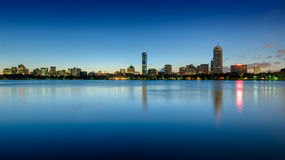 Horizon arrière de compartiment de Boston vu à l'aube Photographie stock