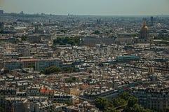 Horizon, bâtiments et dôme de Les Invalides dans un jour ensoleillé, vu de Tour Eiffel à Paris Images libres de droits
