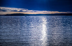 Horizon on blue lake Royalty Free Stock Photography