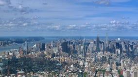 Horizon courbe et Empire State Building de Manhattan de vue de Timelapse banque de vidéos