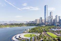 Horizon de baie de Shenzhen et bâtiments et parc Photo stock