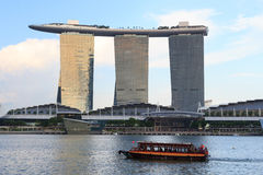 Horizon de bateau et de Marina Bay, Singapour Photo libre de droits