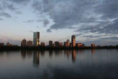 Horizon de Boston au coucher du soleil Photographie stock