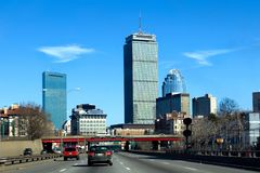 Horizon de Boston. Masspike Photos stock