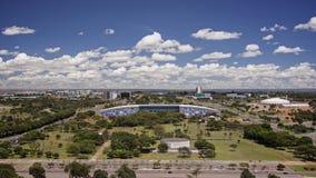 Horizon de Brasilia un jour ensoleillé images stock