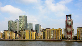Horizon de Canary Wharf, Londres Photographie stock libre de droits