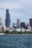 Horizon de Chicago de pilier le long de lac Michigan Images libres de droits