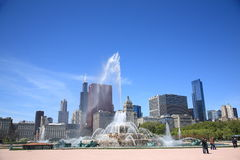 Horizon de Chicago et fontaine de Buckingham Photo libre de droits