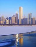 Horizon de Chicago sur la glace Image libre de droits