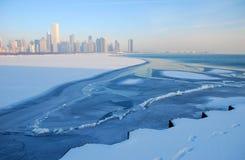 Horizon de Chicago sur la glace Image stock